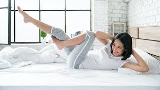 Les exercices à faire au lit ou sur le canapé