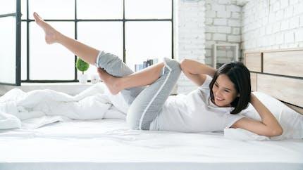 Les exercices de sport à faire au lit ou sur le canapé