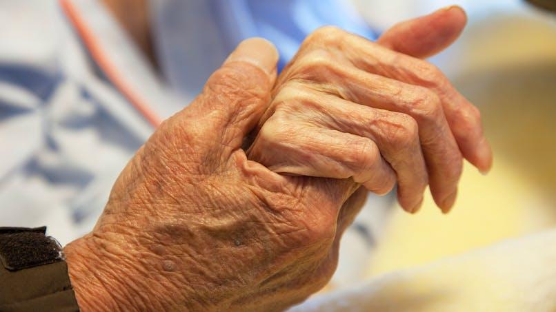 Fin de vie: la difficile mise en place de la sédation profonde