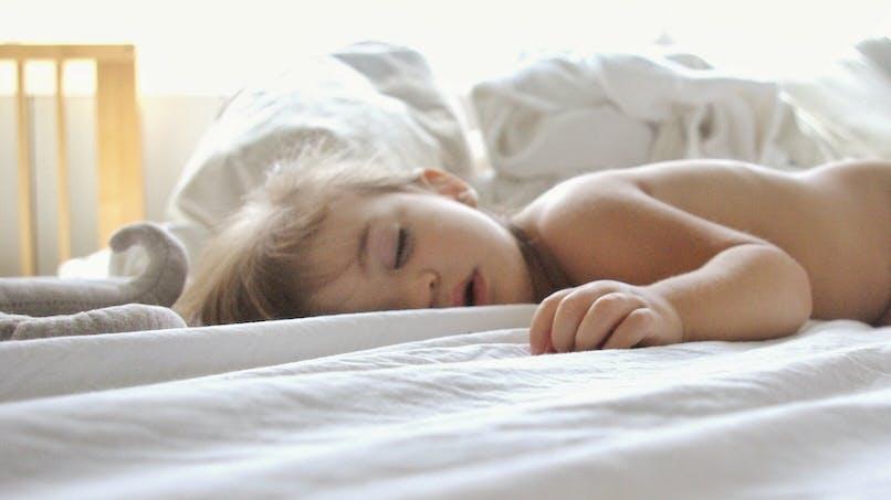 Votre enfant dort la bouche ouverte, et si c'était une apnée du sommeil ?