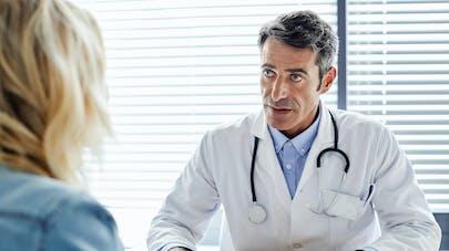 Une étude révèle pourquoi on ment souvent au médecin