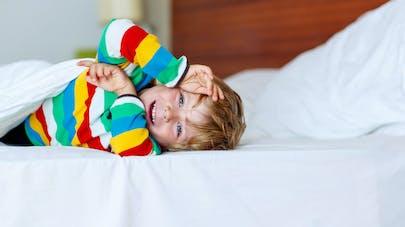 Comment endormir les enfants surexcités par les fêtes