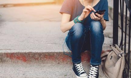 La relation complexe entre les médias sociaux et la dépression