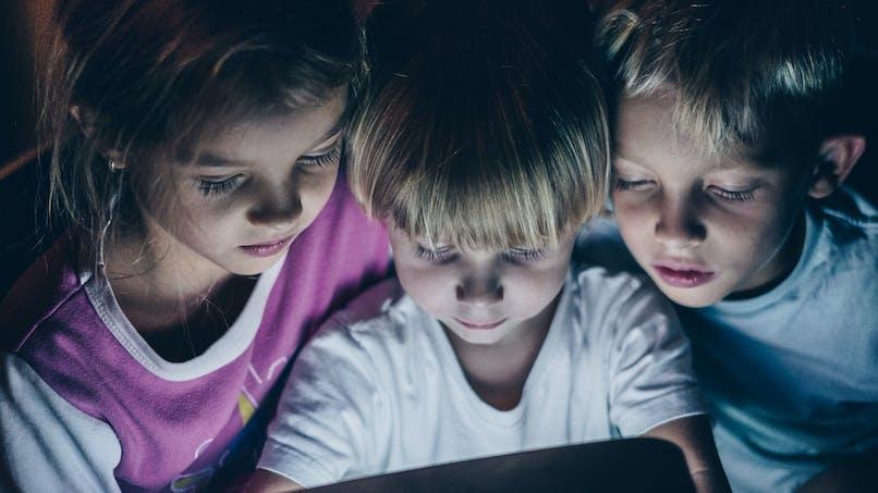 Écrans : en excès, ils modifieraient une structure du cerveau des enfants