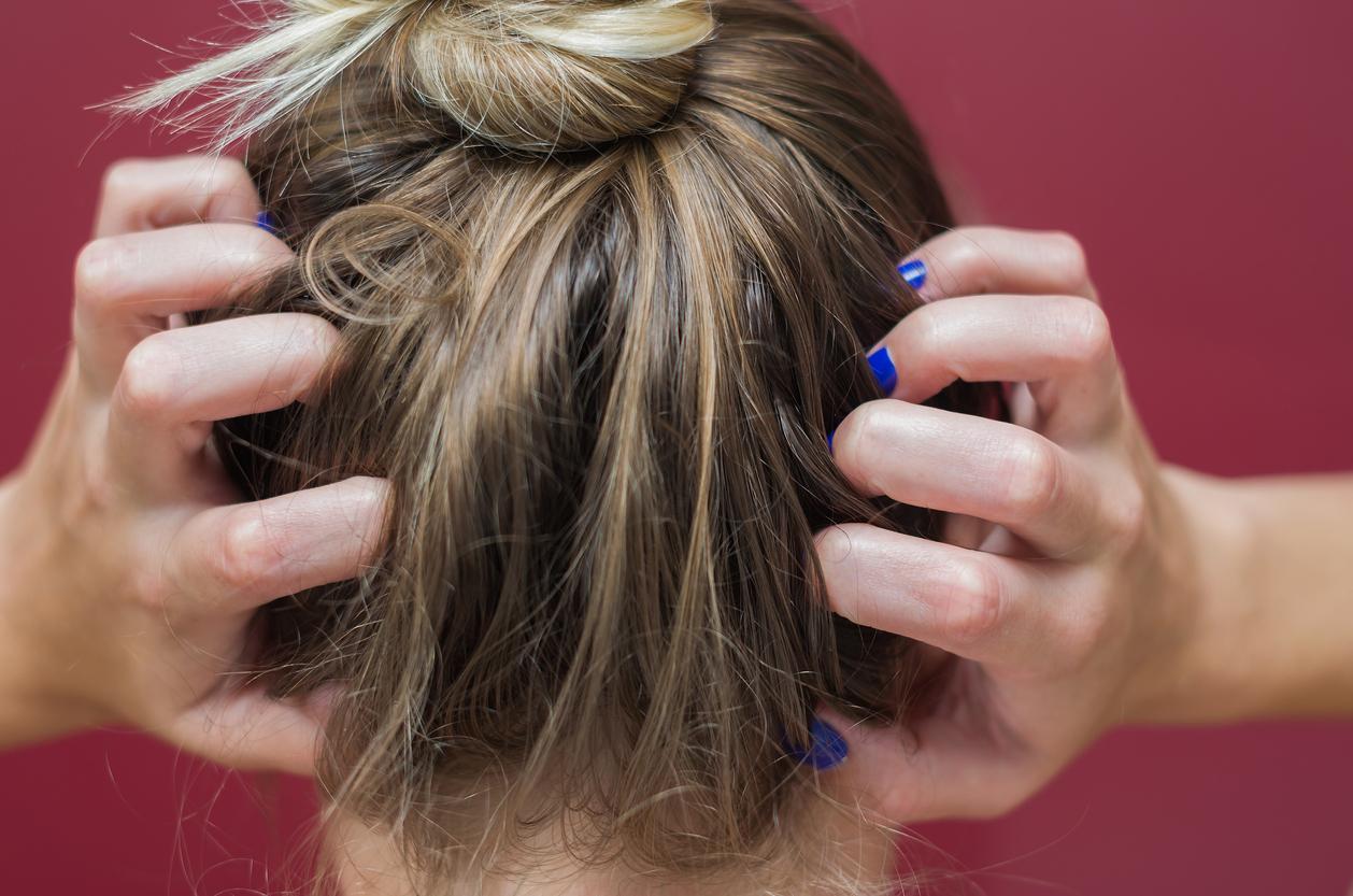 Comprendre les démangeaisons de la tête | Santé Magazine