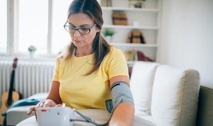 L'hypertension artérielle impacte différemment les femmes et les hommes