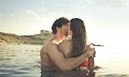 Journée Mondiale de l'orgasme : comment les Européens pimentent leurs vacances ?