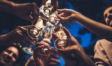 Fêtes de fin d'année et alcool : des acteurs dénoncent la pression de l'entourage