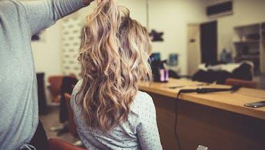 3 secrets pour réparer des cheveux colorés abîmés