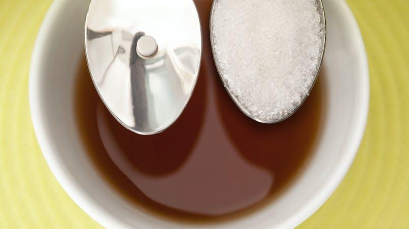 Sucre: aucun bénéfice à préférer les édulcorants