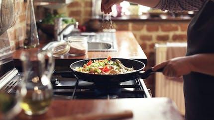 Cinq pistes pour manger plus sainement cette année