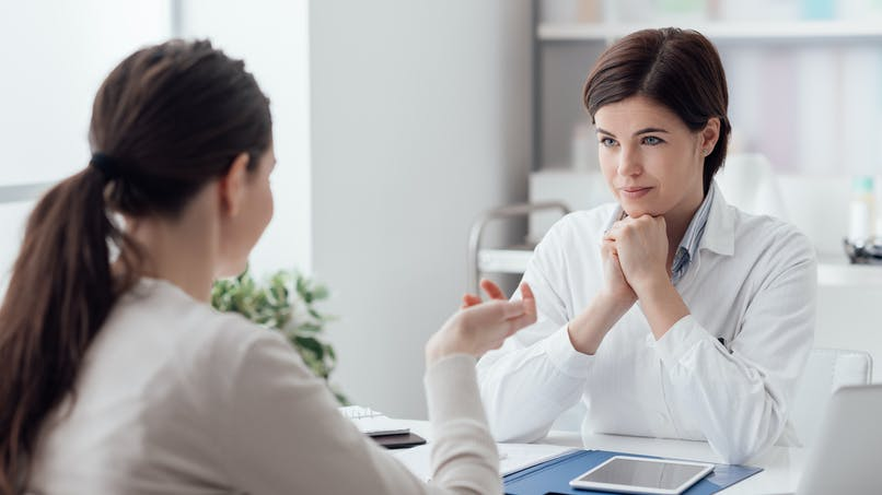Un médecin peut-il influencer l'efficacité d'un traitement ?