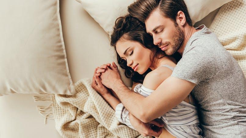 Les personnes ayant trouvé l'amour à 20 ans auraient moins de problèmes de stress et de sommeil