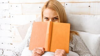 5 questions hot à Anne Vassivière, auteure de livres érotiques