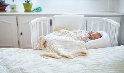 Dormir avec son bébé : les mesures de sécurité à respecter