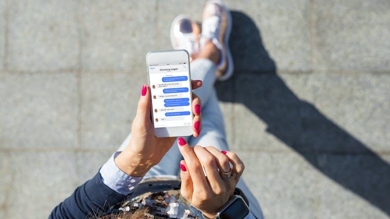 Téléphone portable : comment savoir si l'on reçoit un SMS menteur ?