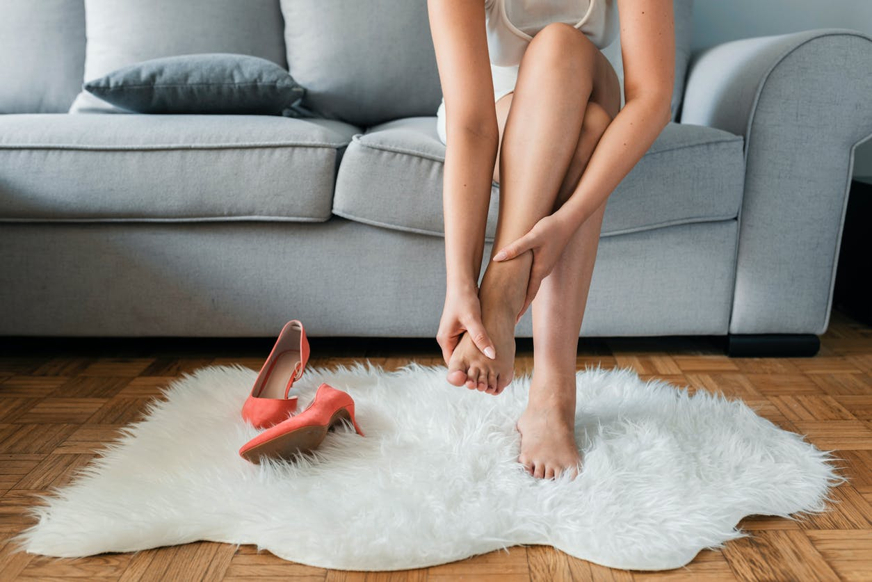 5 causas de los pies hinchados |  Revista de salud