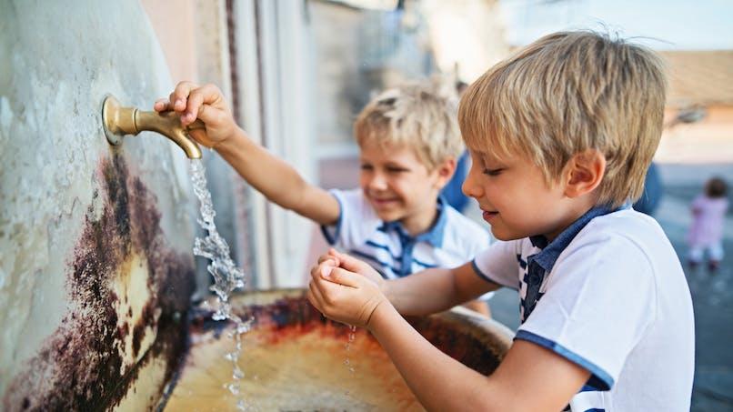 En voyage, dans quels pays ne faut-il pas boire l'eau du robinet?