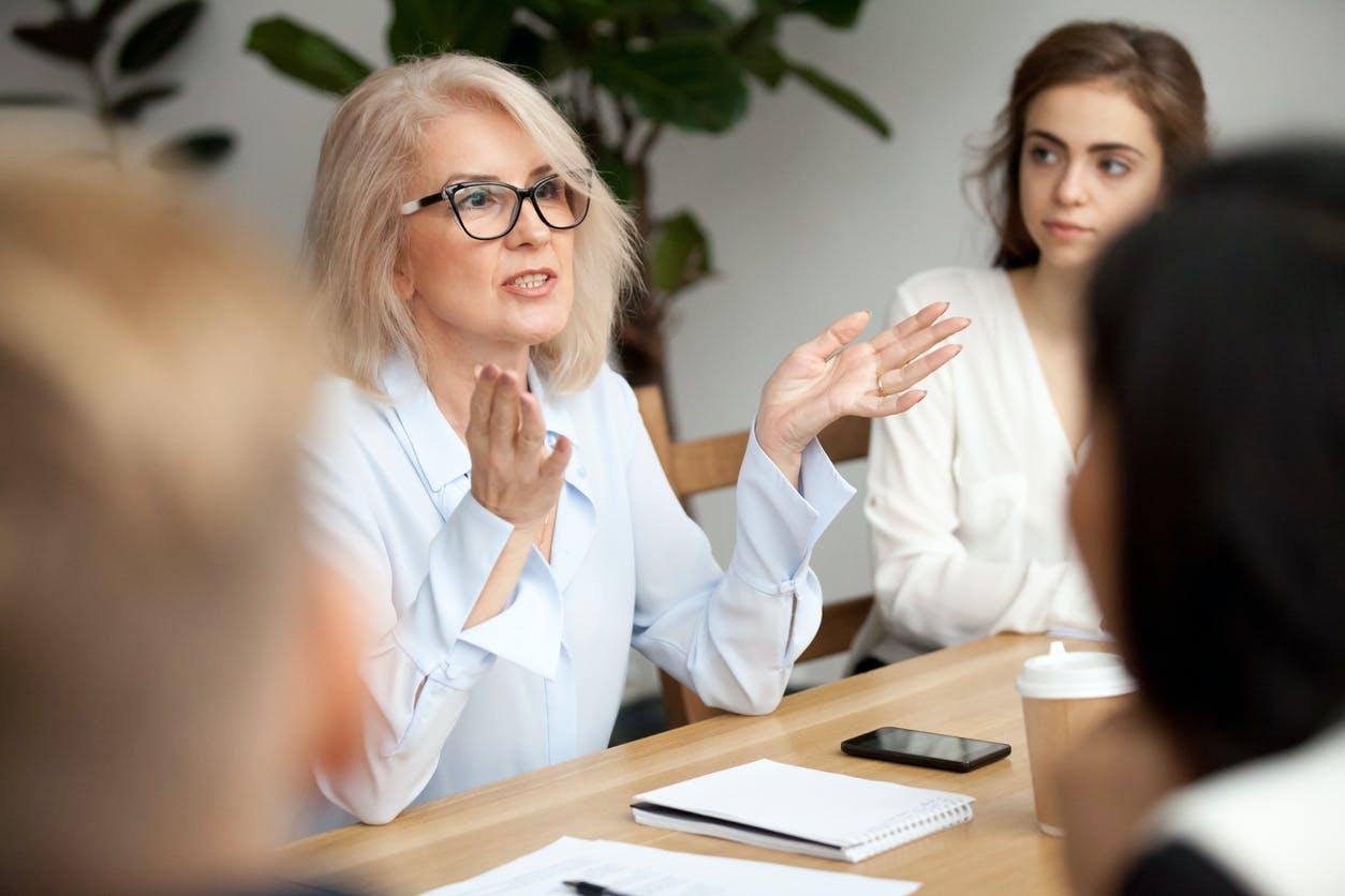 Comment affronter une conversation difficile au travail