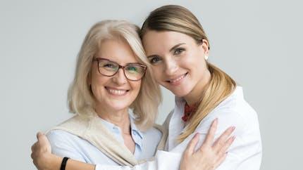 33 ans, l'âge où les femmes ressembleraient à leurs mères