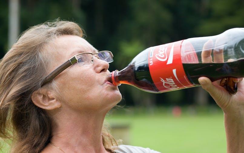 femme et soda