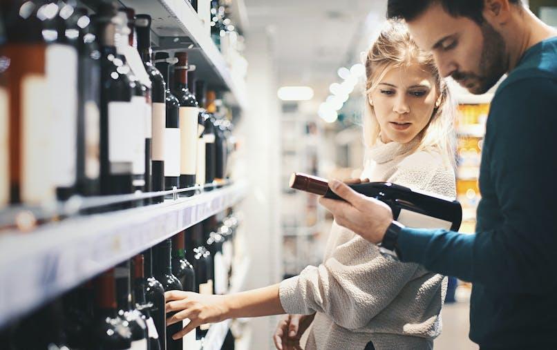 Boire une bouteille de vin équivaudrait à fumer 10 cigarettes