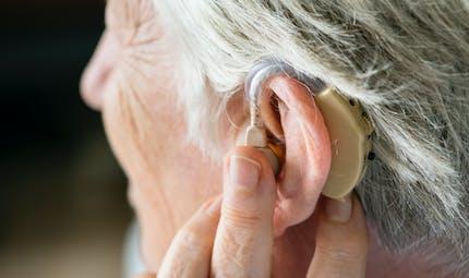 Comment s'habituer aux aides auditives