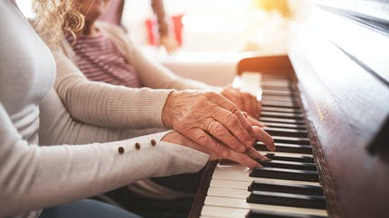 Jouer de la musique pour améliorer l'attention