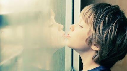 Autisme : la piste du transfert de microbiote intestinal