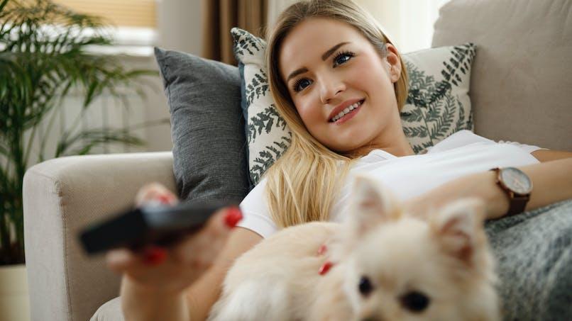 Pourquoi des séries TV stressantes arrivent à nous détendre ?