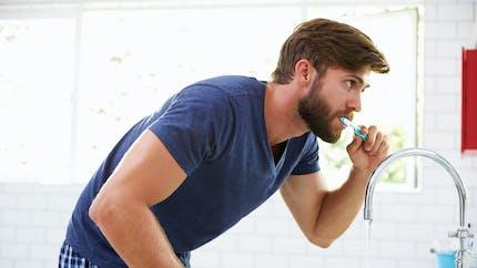 Troubles de l'érection : une bonne hygiène dentaire permet de les éviter