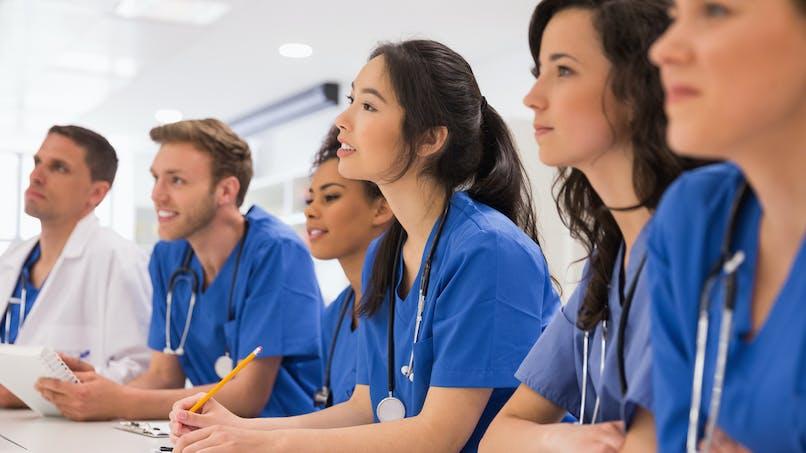 Pénurie de médecins : 1 400 places de plus pour les étudiants l'an prochain