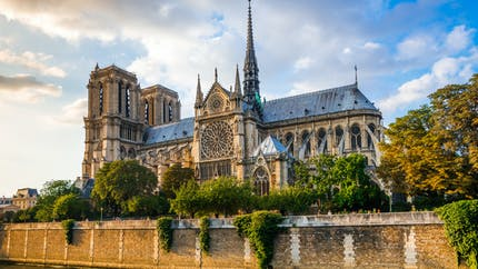 Résidus de plomb suite à l'incendie de Notre-Dame : pourquoi faut-il nettoyer ?