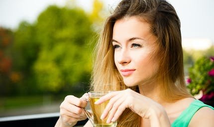 Le thé bu à plus de 60 °C augmente le risque de cancer de l'oesophage