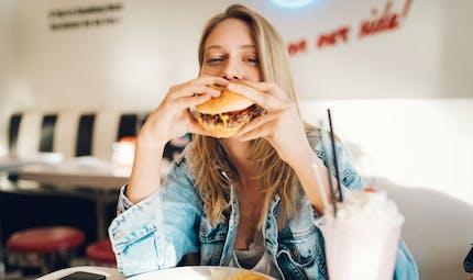 Les aliments ultratransformés provoquent une alimentation excessive et un gain de poids
