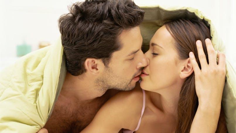 5 gestes insolites qui excitent les femmes