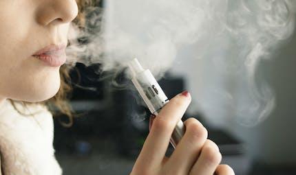 Cigarette électronique: certains arômes peuvent augmenter le risque de maladie cardiaque