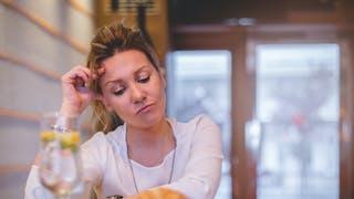 3 façons de couper court à des pensées négatives