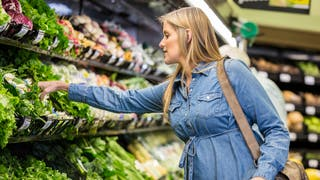 Quels fruits et légumes contiennent le plus de résidus de pesticides?