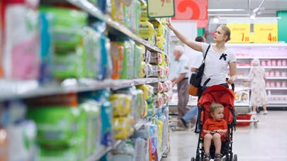 Produits chimiques dans les couches : des parents attaquent l'Etat en justice