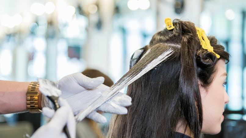 Les décolorants pour cheveux dangereux pour la santé