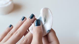 Vernis à ongles : faut-il faire des
