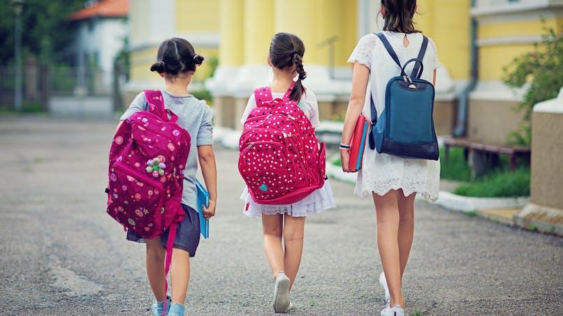 Enfants : le poids maximum que devrait peser leur cartable