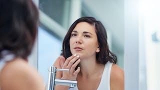 Eviter l'acné lorsqu'on arrête la pilule