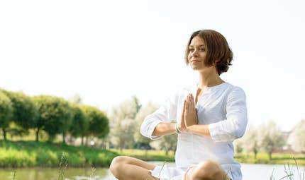 Tout savoir sur le kundalini, le yoga des sens
