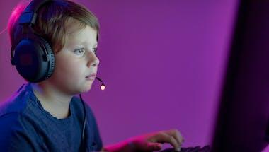 Comment savoir si votre enfant est accro aux jeux vidéo, et que faire ?