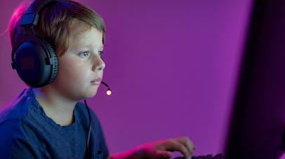 Comment savoir si votre enfant est accro aux jeux vidéo ?