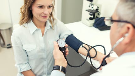 Hypertension artérielle : quelles en sont les causes ?