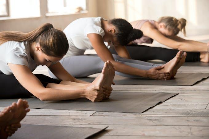 Yoga posture de la pince