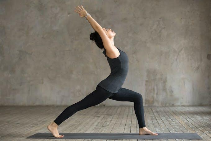 Yoga posture du  guerrier 1